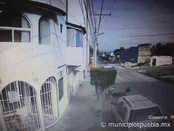 VIDEO En segundos roban con lujo de violencia Urvan en Tecamachalco - Municipios Puebla