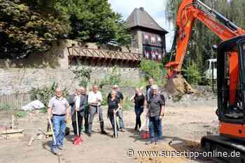 Spatenstich erfolgt: Arbeiten am neuen Park mit Spielplatz laufen - Ratingen - Supertipp Online