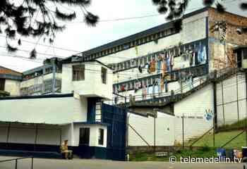 Al menos a 100 internos de Bellavista les practican pruebas covid - Telemedellín