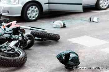 Arese, si schianta in moto contro un'auto: gravissimo un ragazzo di 28 anni - Fanpage.it