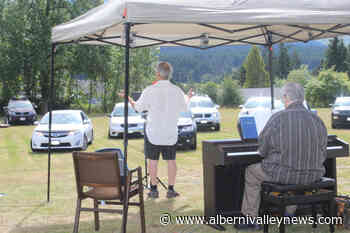 Alberni Valley church holds 'drive-in' service - Alberni Valley News