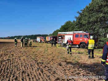 Feld und Strohpresse brennen bei Bischofswerda - Radio Lausitz
