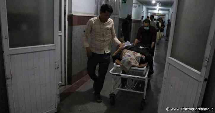 Autobomba in Afghanistan: almeno 8 morti e 30 feriti. I Taliban negano il coinvolgimento dopo l'annuncio della tregua con Kabul
