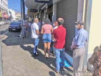 Comércio de Jacarezinho volta a atender das 8h às 18h - Tribuna do Vale