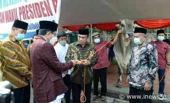 Menag Serahkan Sapi Kurban Peranakan Ongole 1 Ton Milik Jokowi ke Masjid Istiqlal - iNews