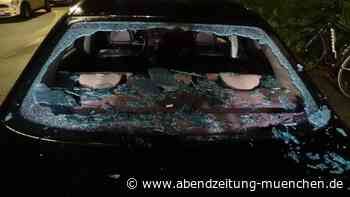 Scherben und Schnittwunden - Germering: Betrunkener Radler fliegt in Heckscheibe - Abendzeitung