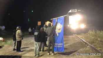 Northern Manitoba First Nation protests VIA Rail over ticket access, fair treatment
