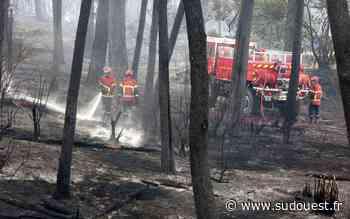 """En direct. Violent incendie à Anglet : le """"feu sous contrôle mais compliqué"""", plusieurs maisons brûlées - Sud Ouest"""