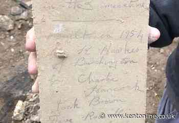 Revealed: the brickies who left 1954 note