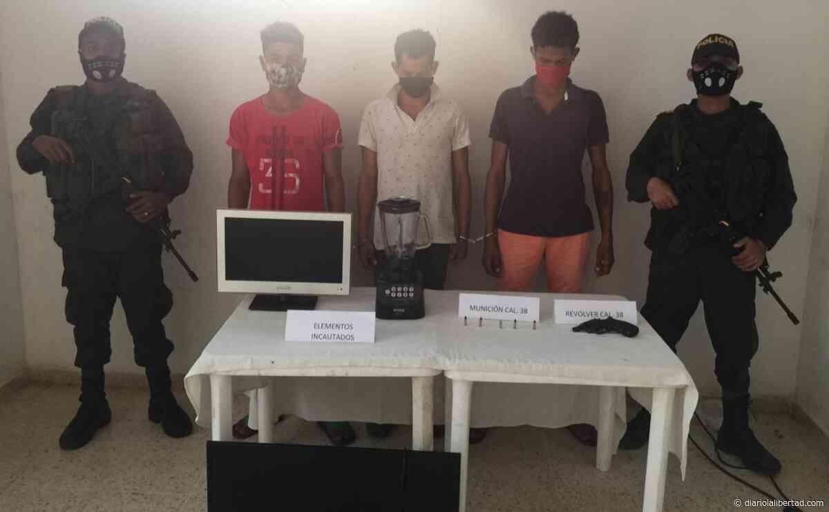 Capturan a tres por porte ilegal de armas de fuego en Tiquisio, Bolívar - Diario La Libertad