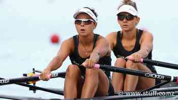 Former lightweight dual world champion Sophie MacKenzie retires from rowing - Stuff.co.nz
