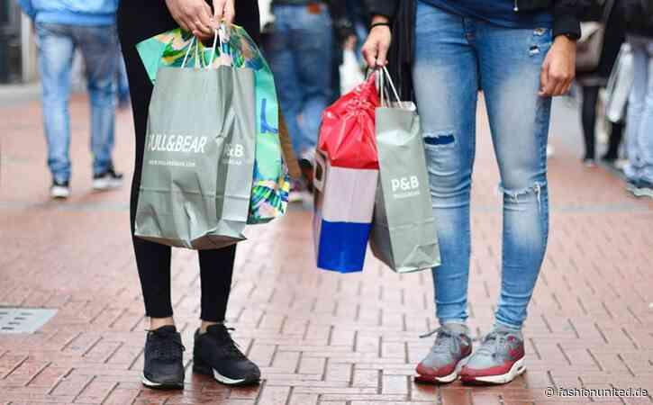 Modeeinzelhandel im Juni tief im Minus, aber mit positiver Tendenz