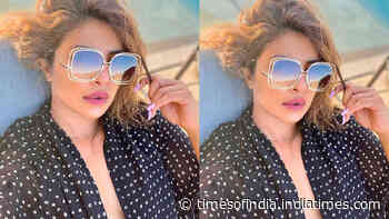 Priyanka Chopra posts a stunning pool side selfie on social media