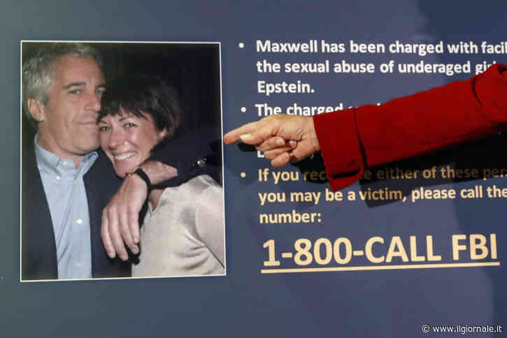 """Avevo solo 15 anni, anche lei abusò di me"". Le accuse a Ghislaine Maxwell"