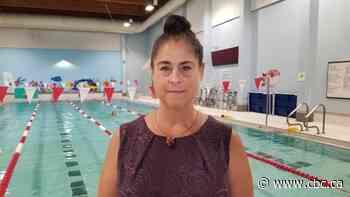 Essex pool opens to public, offers COVID-modified swimming classes - CBC.ca