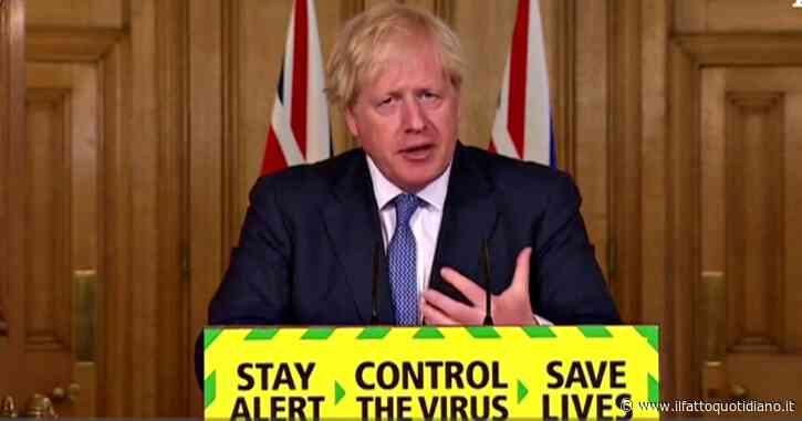 """Coronavirus, Johnson annuncia: """"Allentamento delle restrizioni slitta di due settimane. Dobbiamo tenere la curva sotto controllo"""""""