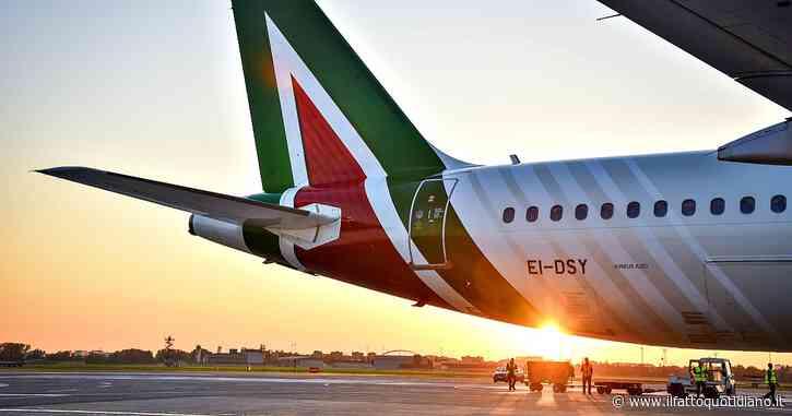 """Voli cancellati, Antitrust: """"Alitalia e Volotea accettano di offrire rimborsi. Al consumatore la scelta se ricevere un voucher"""""""