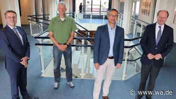 Präsident des Kreissportbundes Warendorf, Frank Schott, und Landrat Dr. Olaf Gericke, sprechen über aktuell... - Westfälischer Anzeiger