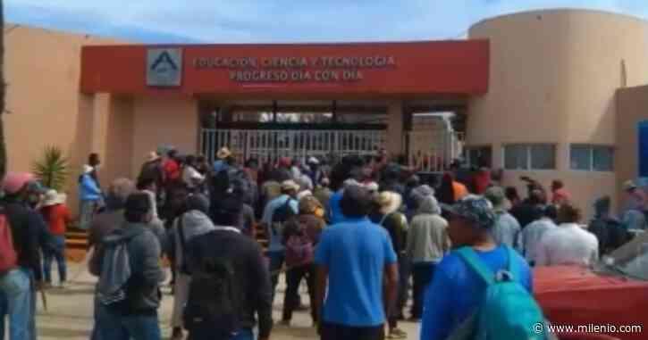 Retienen a 30 funcionarios por disputas políticas en Tlaxiaco, Oaxaca - Milenio