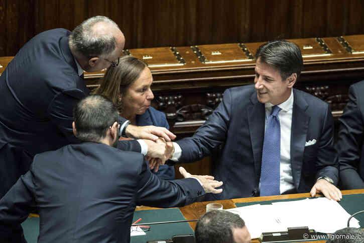 """Il governo litiga pure sui decreti Salvini: """"Non li possiamo smantellare"""""""