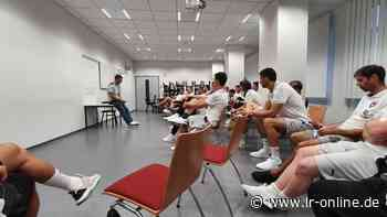 Handball: Berliner Füchse trainieren in Lübbenau - Lausitzer Rundschau