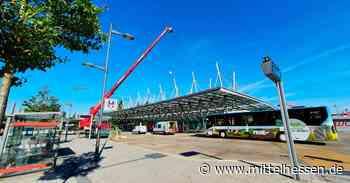Am Bahnhof Wetzlar kommt der Glaser mit dem ganz großen Werkzeug - Mittelhessen