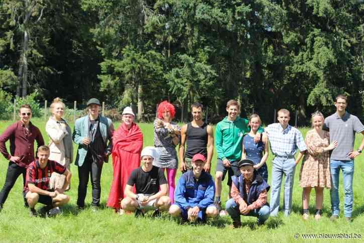 Eindhoutse Kajotters blijven in eigen gemeente en kamperen bij Chiromeisjes