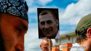 Un rassemblement mardi 4 août 2020 à Pont-Audemer, un an après la disparition de Dany Lefrançois - Paris-Normandie