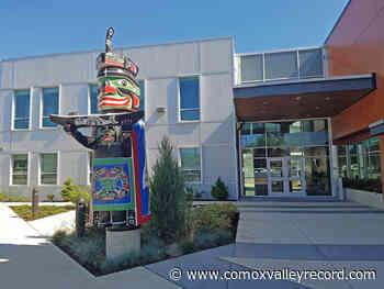 Comox Valley Regional District, economic society sign revised agreement - Comox Valley Record