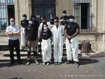 Etampes : un chantier gagnant-gagnant entre jeunes et policiers - Le Républicain de l'Essonne