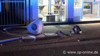 Chaos-Fahrt in Maintal: Mann aus Hanau hinterlässt Spur der Verwüstung in Innenstadt – ein Mensch verletzt - op-online.de