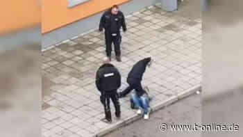 Übergriff auf Flüchtling in ZASt Halberstadt: Security-Mitarbeiter angeklagt - t-online.de