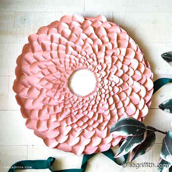 Video: Frosted Paper Petal Wreath