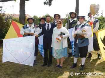 Fahnenschwinger als überraschender Hochzeitsgast in Rastatt - kraichgau.news