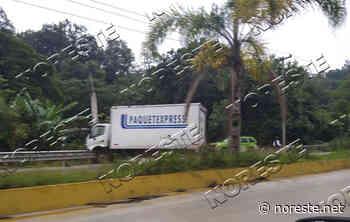 Camión choca contra poste en la carretera Xalapa-Coatepec - NORESTE