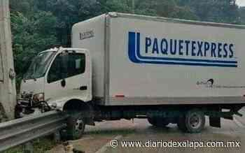 Camión de paquetería se accidente en bulevar Xalapa-Coatepec - Diario de Xalapa