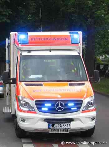 Zusammenstoß mit einem Auto: Motorradfahrer bei Unfall schwer verletzt - Lokalkompass.de