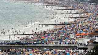Coronavirus latest news: Beaches becoming 'unmanageable' as Britons opt for staycations - Telegraph.co.uk