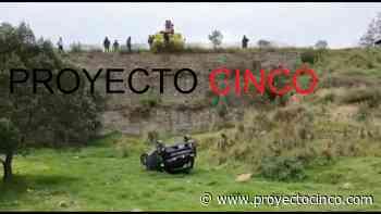 Automóvil vuelca y cae al vacío en carretera Apizaco-Tlaxco - Informativo ProyectoCINCO