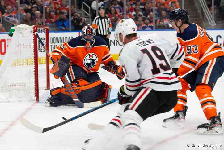 Chicago Blackhawks: Will playing in Edmonton favor the Oilers?