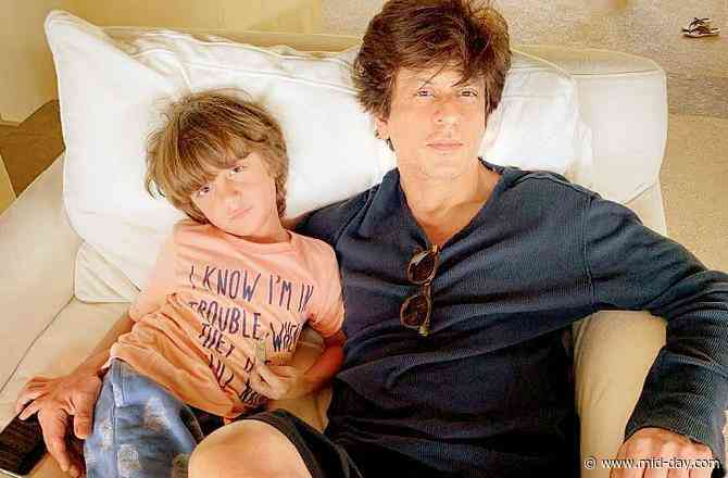 Shah Rukh Khan shares silhouette photo of AbRam: 'Give yourself a self-hug'