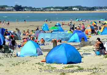 West Wittering beach sold out for the weekend as temperatures soar - Midhurst and Petworth Observer