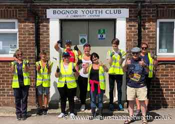Bognorphenia volunteers tackle overgrown gardens during community centre clean-up - Midhurst and Petworth Observer
