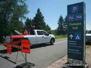 Parking lots fill up fast at popular Gatineau Park spots