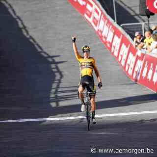 Wout Van Aert wint de Strade Bianche na bloedstollende en snikhete koers
