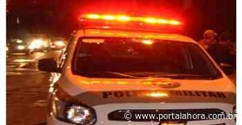 Imbituba: jovem é preso após bater carro contra casal de moto, abandonar acidente, ser rastreado pela PM e flagrado com maconha em casa - Portal AHora