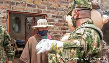 Ejército entrega ayudas humanitarias a familias en Aquitania - W Radio