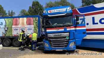 A8: Zwei Verletzte bei Unfall mit Lkw nahe Wendlingen, Vollsperrung aufgehoben - op-online.de