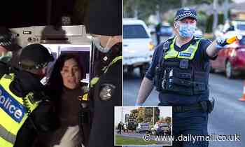 Police blockade gym where Melbourne's anti-maskers planned to hold a conspiracy meeting
