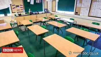 Teachers' union urges clarity on school reopening - BBC News